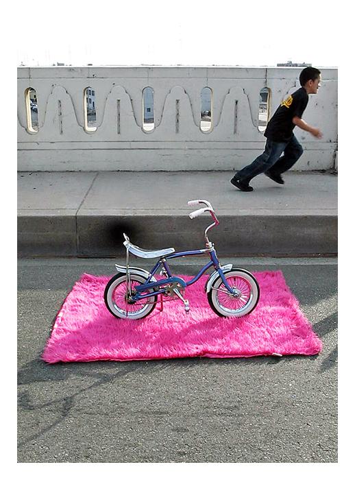 http://2.bp.blogspot.com/_17RQ6uhHw7s/RyWHJVtNVYI/AAAAAAAAAXM/NHqdB4UC8EY/s1600/bike+with+boy_small_frame.jpg
