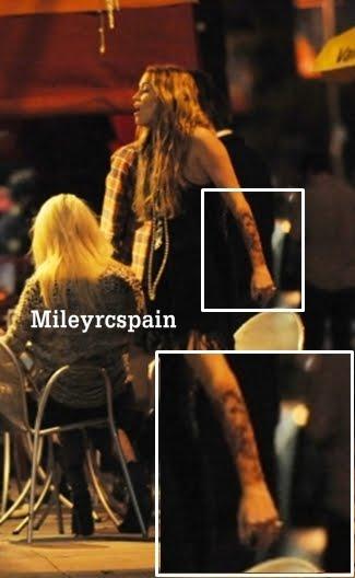 tatuajes de henna en. Hace unos dias salieron unas imágenes de Miley con un tatuaje de henna de un