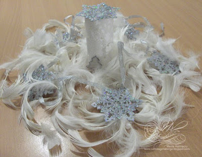 Christmas white feathers centerpiece