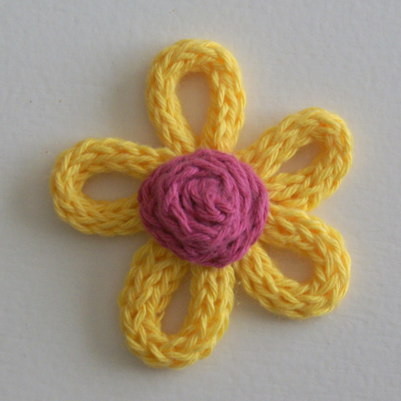 ArtMind: How to make a spoolknitted flower?