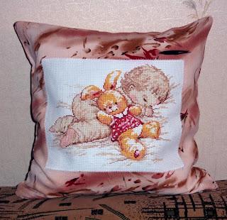 Как сшить подушка с вышивкой крестом 680