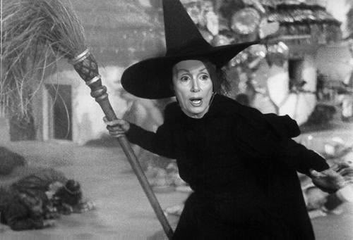 lying witch pelosi