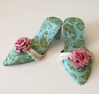 Zapatos de papel.