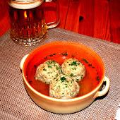 La Leberknodel suppe di Salla
