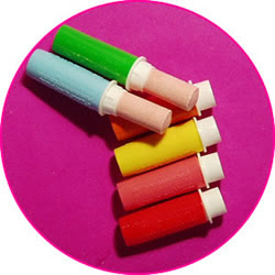 Retro lipstick sweets