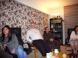 Kuvassa vasemmalta lukien Amy, John, Tony ja Stella.