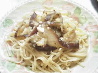Spaguetti con vinagreta de berenjenas