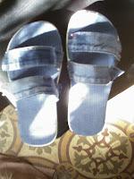 Recicla tus viejos jeens: unas sandalias