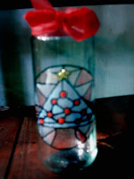 Arbolito de navidad en simil vitraux - Reciclado de frascos.