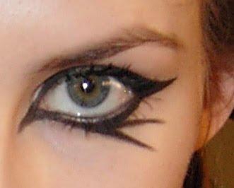 değişik göz makyajları ilginç göz makyajları