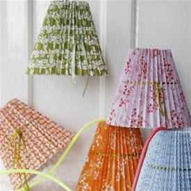 Plisserte lampeskjermer fra Rie Elise Larsen