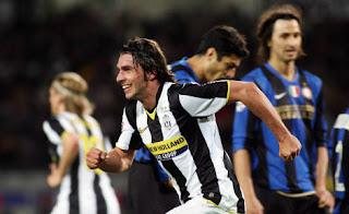 Grygera dejó atónitos a los jugadores del Inter con su gol en el descuento