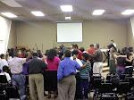 Ministrando  en la iglesia