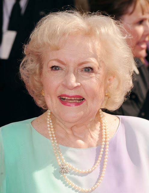 - betty-white-2010-emmy-awards