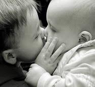 Haai tantaas formaas de dar un simple beso ~