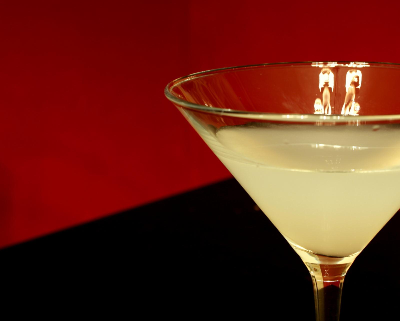 The amateur mixologist kamikaze cocktail for Cocktail kamikaze