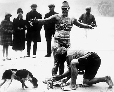 Gertrude Ederle Swimming The English Channel English Channel Swimmi...
