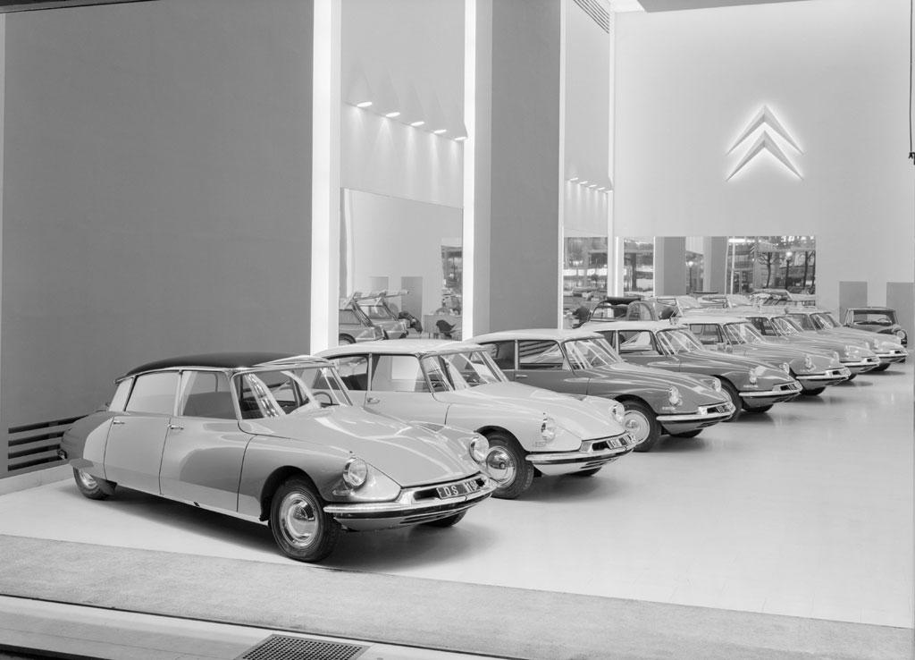 citroen ds 1955 es llamado el coche m s bello taringa. Black Bedroom Furniture Sets. Home Design Ideas