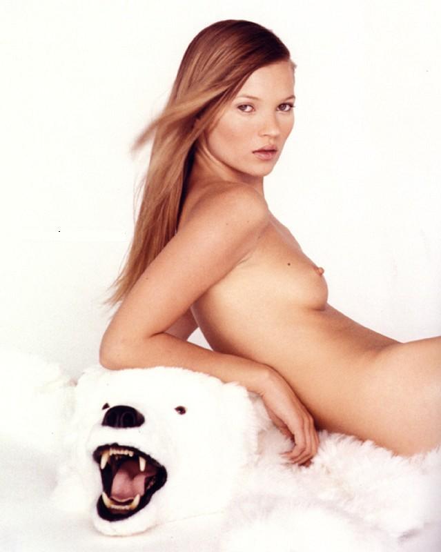 [Kate+Moss+nude+tits+012.jpg]