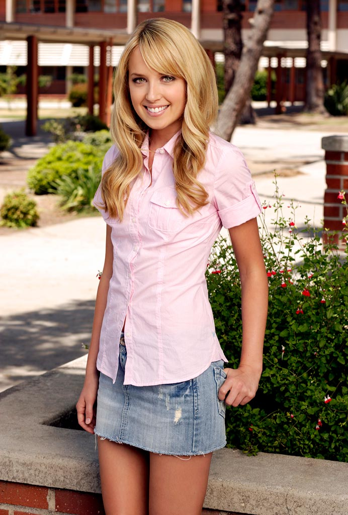 Megan Park - Images Colection