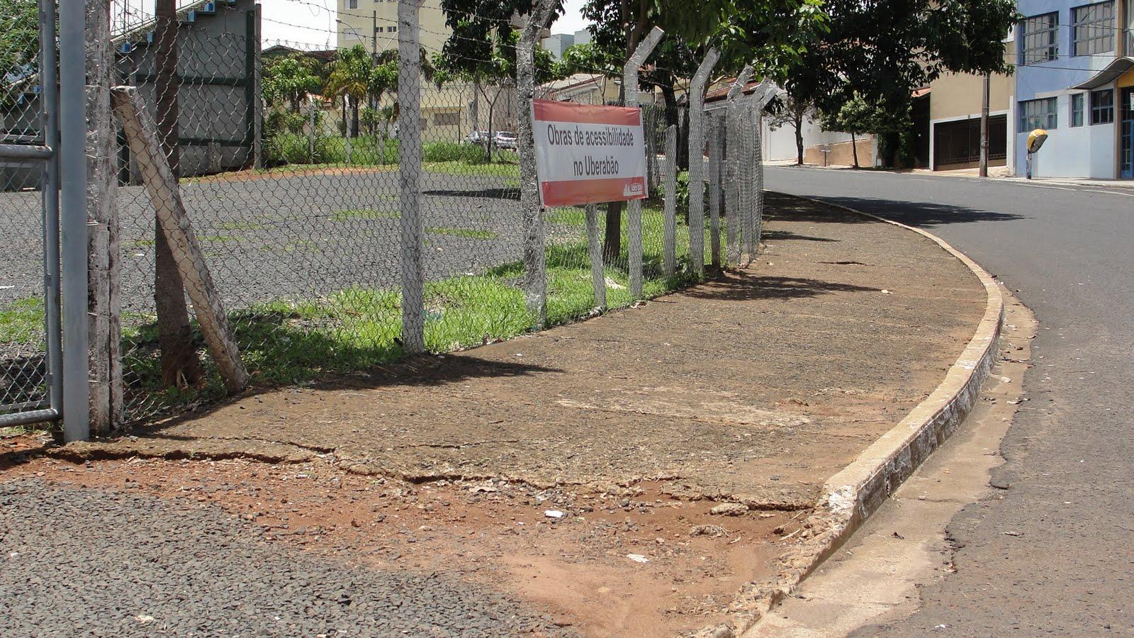 Cadeirante reclama das obras de acessibilidade do Uberabão #896742 1600x900 Banheiro Cadeirante Norma Abnt