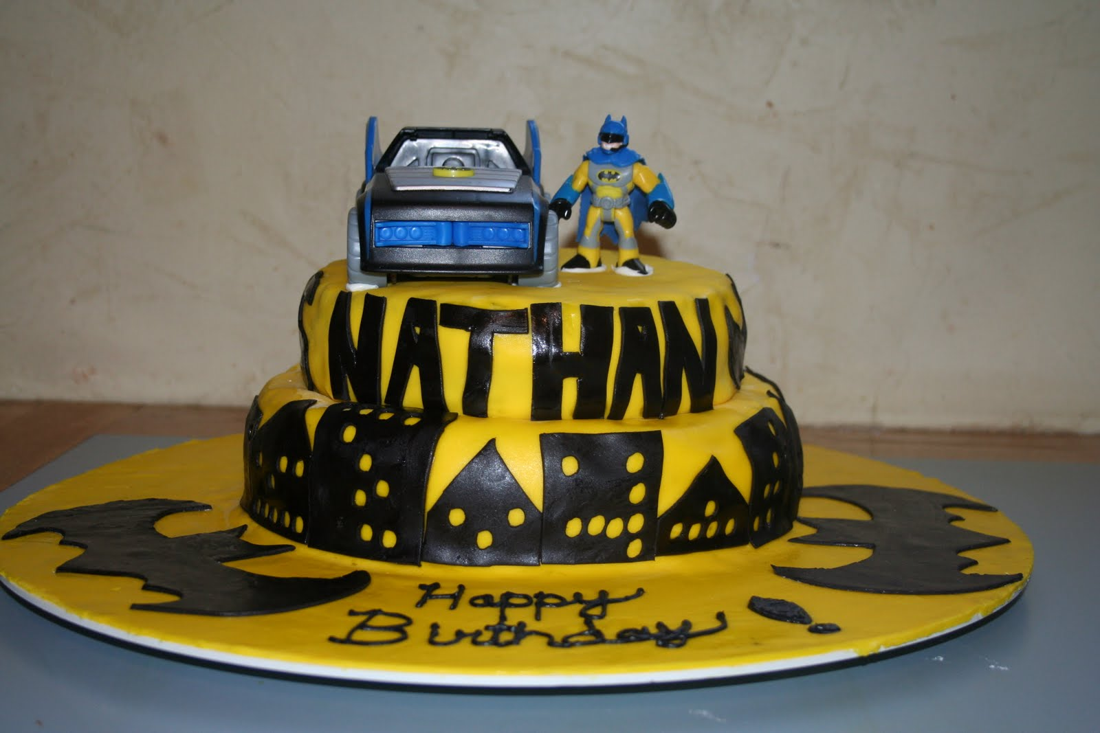 Kakie s Cakes Batman Birthday Cake