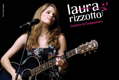 Laura Rizzotto em Colbie Caillat show in Boston – 25/07/2012