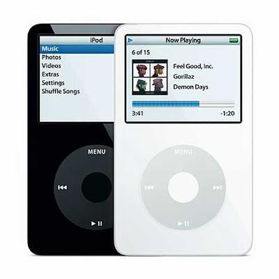 เครื่องเ้อ็มพีสาม เครื่องแรก จาก ค่าย Apple คือ iPod