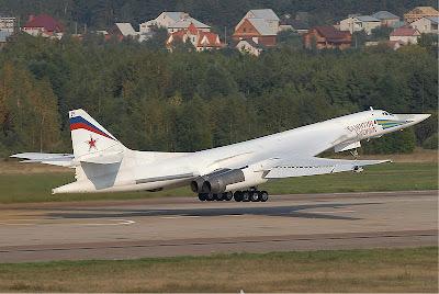 เครื่องบิน ทิ้งระเบิด ใหญ่ที่สุดในโลก