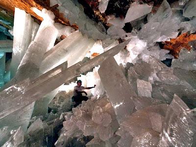 ถ้ำคริสตัลยักษ์ 1 ใน ถ้ำ ที่ สวยที่สุดในโลก