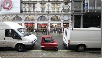 รถยนต์ เล็กที่สุดในโลก ( Peel 50 )
