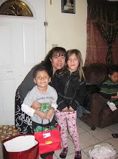 TIA DORIS WITH THE KIDS