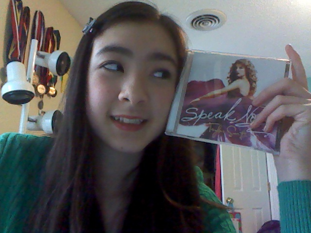 taylor swift speak now cd. Taylor Swift Speak Now CD.