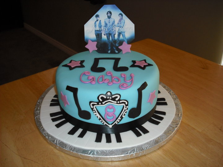 Cake Pictures For Brother : Sprinklebelle Cakes: Jonas Brothers Cake