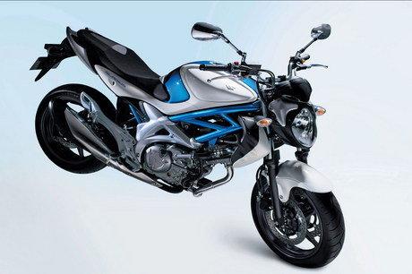 Motorcycle 2010 Suzuki Gladius SFV650