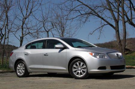 Buick LaCrosse CX ( 2011 )