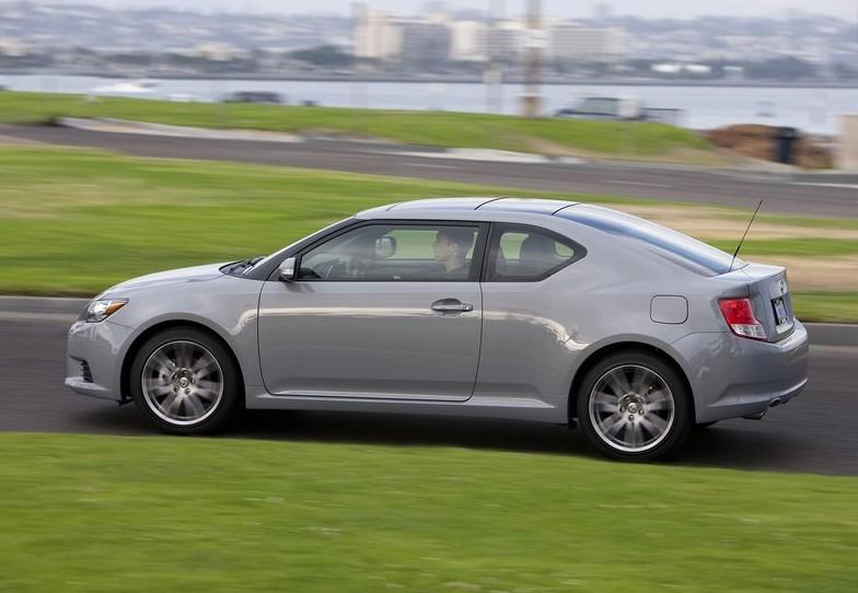 2011 New Scion tC Review