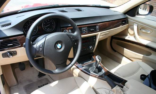 2010 New BMW 328i Sedan interior