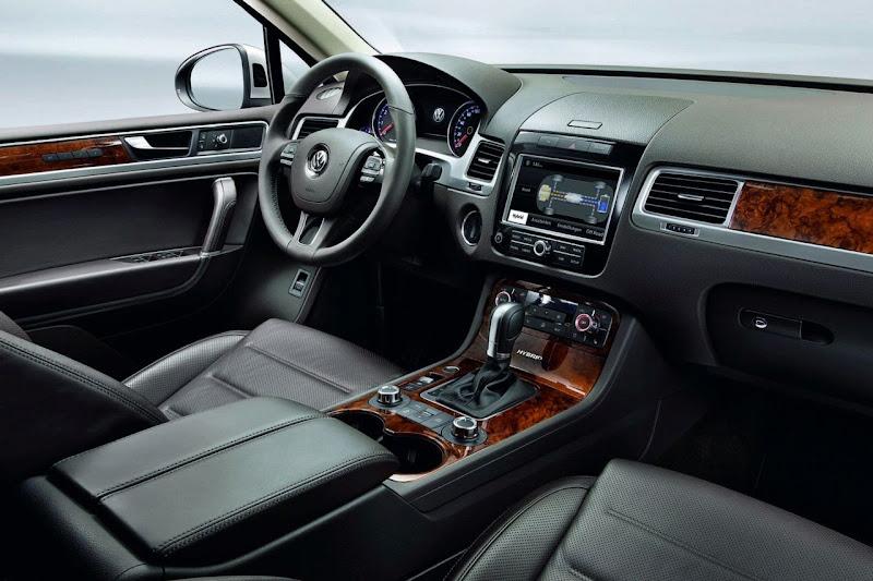 2011 Volkswagen Touareg Details Interior