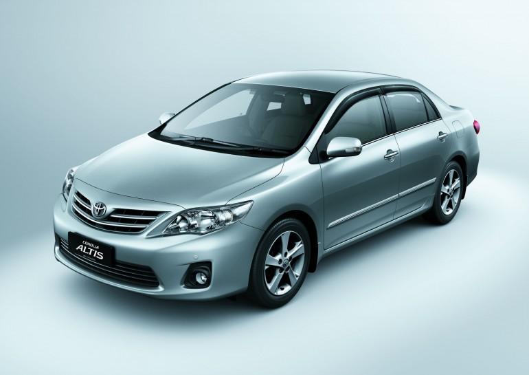 2011 Toyota Corolla Altis Photos