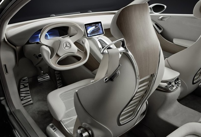 Mercedes-Benz F800 Luxury Car