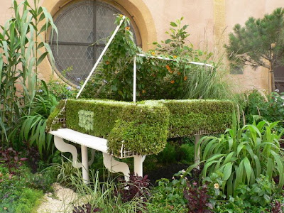 piano planter in Colmar, France