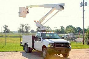 Bucket truck electrician in Etobicoke