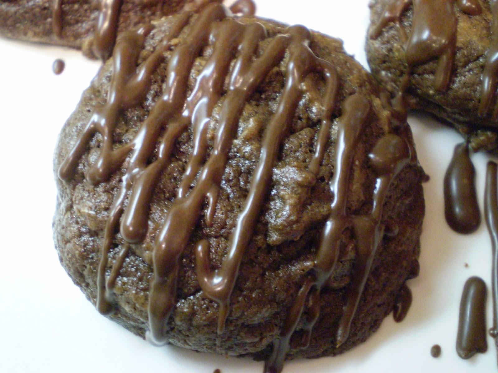 The Domestic Engineer: Dark Chocolate Fudge Cookies