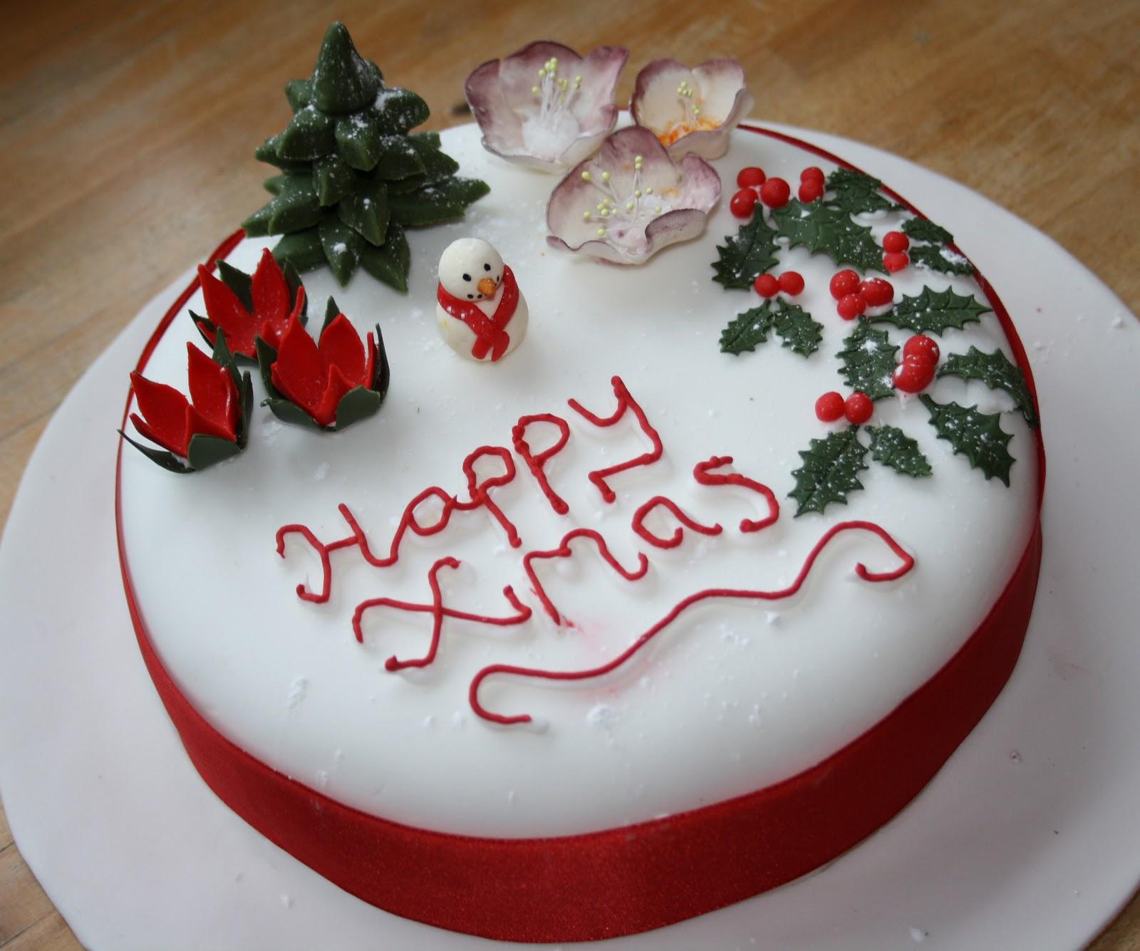 Christmas Cake Decorations Flowers: Decorating The Christmas Cake