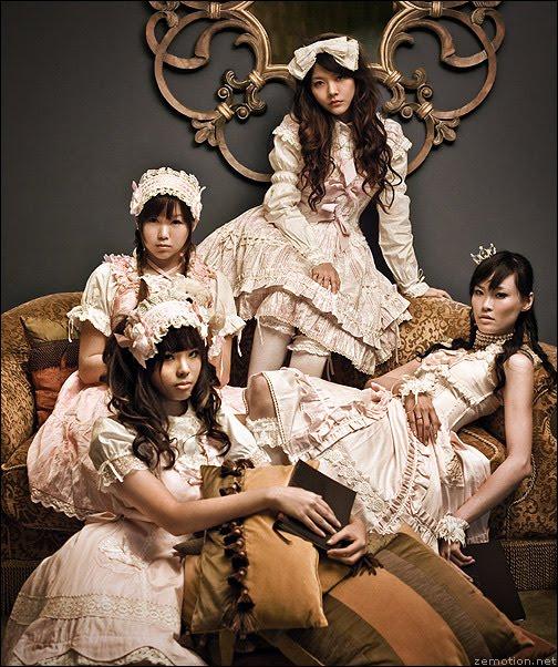 Lolita (moda) Lolita2