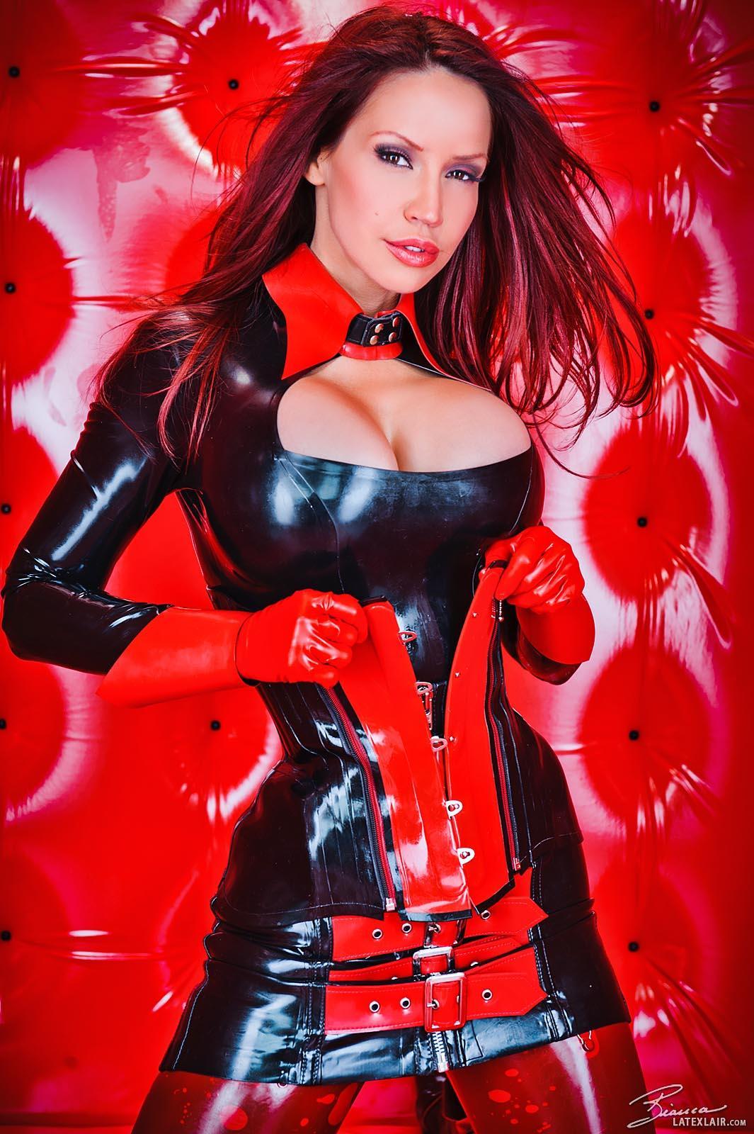 Пухлая рыжая девушка 16 фотография