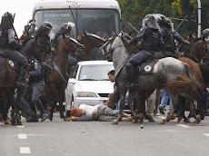 Governador ladrão lança a cavalaria contra estudantes