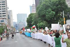 ما د ر کنار مردم ایران برای  آزادی هستیم