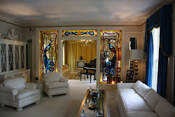Elvis&#39; front room